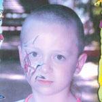 Mihály enyhén értelmi fogyatékos, és halláskárosodott