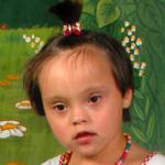 Tünde 5 éves, down szindrómás kislány
